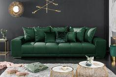 Moderná sedačka smaragdovo zelená. Couch Design, Canapé Design, Banquettes, Design Baroque, Xxl Sofa, Love Seat, Throw Pillows, Chair, Bed