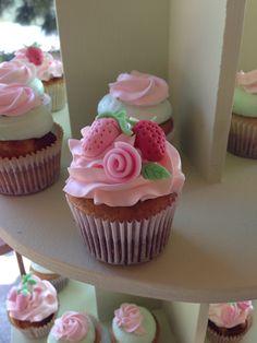 Rosita fresita cupcakes