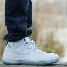 Supreme Nike SB Blazer Low GT Sneaker Release – Footwear News