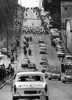 1965 22/6 rit 1a > Peloton during the first stage Köln-Liège. Winner in Liège and first yellow jersey will be Rik Van Looy (In the afternoon stage 1b team time trial in Liège)