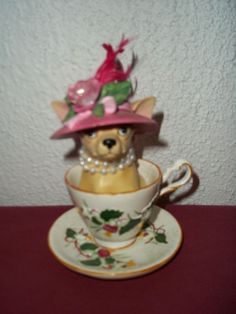 13336 - TEACUP (Aye CHIHUAHUA by Westland Giftware) Retired - http://collectiblefigurines.net/aye-chihuahua/13336-teacup-aye-chihuahua-by-westland-giftware-retired-2/