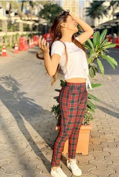 Image may contain: 1 person, standing and outdoor Travel Pose, Hiba Nawab, Elegant Girl, Stylish Girl Pic, Girls Dpz, Western Dresses, Cute Girls, Capri Pants, Girly