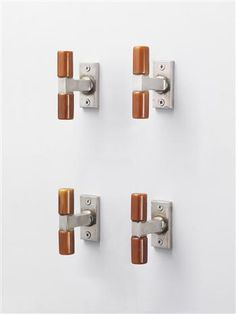 View Set of four window handles by Walter Gropius sold at Design on 25 May 2011 New York. Window Handles, Door Handles, 1930s House Renovation, Walter Gropius, International Style, Art Deco Era, Bauhaus, Modern Architecture, Icon Design
