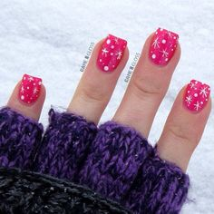 These are wayyyyy to stinking cute!!!! Pink in the Christmas/Winter scheme, count me in!!! :)