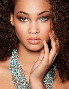 look at you with those eyes of blue Makeup Tips, Eye Makeup, Hair Makeup, Prom Makeup, Beautiful Black Women, Beautiful Eyes, Beautiful People, Naturally Beautiful, Beautiful Ladies