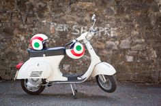 Florence Vespa Tour: Tuscan Hills and Italian Cuisine. £72pp