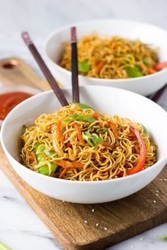 Mein for Two -.Vegetable Lo Mein for Two -.Lo Mein for Two -.Vegetable Lo Mein for Two -. Vegetable Lo Mein for Two - better than take-out, this lo mein is a quick dinner and can easily be doubled! Dinner For One, Healthy Dinner Recipes, Vegetarian Recipes, Cooking Recipes, Healthy Quick Dinners, Avacoda Recipes, Chicken Recipes, Cooking Games, Kitchen Recipes