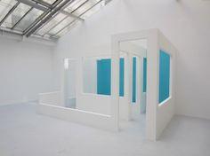 Krijn de Koning, Half, 2013, plasterboard, 240 x 410 x 255 cm