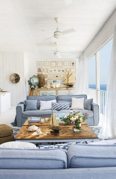 House Tour :: Island Blues in an Idyllic Mallorca Beach House Classic blue and white prevails in this Mallorca beach house tour. Check out the views and gorgeous details of this island home! Beach Cottage Style, Coastal Cottage, Coastal Style, Beach House Decor, Coastal Decor, Home Decor, Decor Room, Coastal Living Rooms, Home Living Room