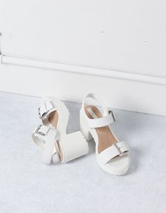 Sandália salto alto moda BSK - Tudo - Bershka Portugal