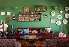 Värikkäitä ja persoonallisesti sisustettuja olohuoneita Casa e Jardim  lehdestä.     Colorful and interesting living rooms from the Casa e ...