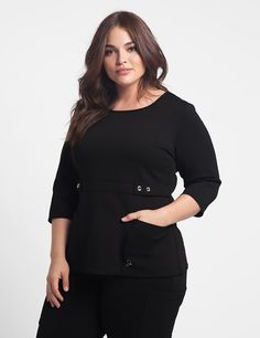 The Curve Button Waist Top in Black is a contemporary addition to women's medical scrub outfits. Shop Jaanuu for scrubs, lab coats and other medical apparel. Dental Scrubs, Medical Scrubs, Scrubs Outfit, Scrubs Uniform, Dental Uniforms, Lab Coats For Men, Black Scrubs, Plus Size Work, Abaya Fashion