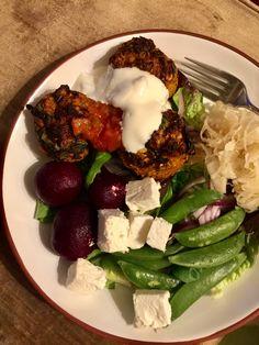 2) spicy turkey muffins with salad, feta, beetroot and sauerkraut