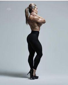 Fitnessmodel | #quads #highheels
