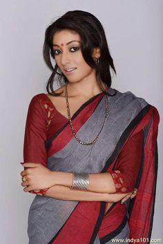 Paoli Dam hot and seductive Beautiful Girl Indian, Beautiful Saree, Beautiful Indian Actress, Gorgeous Women, Indian Actress Photos, Indian Actresses, Ethnic Fashion, Indian Fashion, Paoli Dam