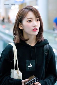 180928 ICN Miya and Ki-spiderman broadcast was also fun Guys And Girls, Sweet Girls, Kpop Girls, Yuri, Sakura Miyawaki, Japanese Girl Group, The Wiz, Korean Girl Groups, Asian Girl