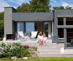 Lenge leve de riktige fargene! Med riktige farger på vegg, staffasje og grunnmur, fremhever du stilen på boligen din.
