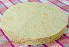 Lipii pentru Shaorma – reteta video My Recipes, Bread Recipes, Cooking Recipes, Favorite Recipes, Cooking Bread, Tacos And Burritos, Pita, Good Food, Yummy Food