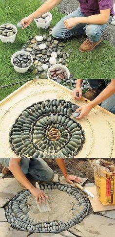 Alternative Gardning: How to make mosaic stepping stones