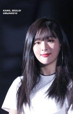 Red Velvet Seulgi, Red Velvet Irene, Kpop Girl Groups, Kpop Girls, Kang Seulgi, Kim Yerim, Korean Bands, Sooyoung, These Girls
