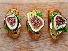 7 Delicious Book Club Recipes! Fig Crostini