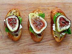 7 Delicious Book Club Recipes! Fig Crostini