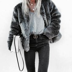 winter fashion trends looks great. Mode Outfits, Casual Outfits, Fashion Outfits, Dress Outfits, Fall Winter Outfits, Autumn Winter Fashion, Winter Wear, Mode Cool, Mode Jeans