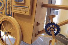 Oupas Design Creative Machines cardboard exhibition design _013