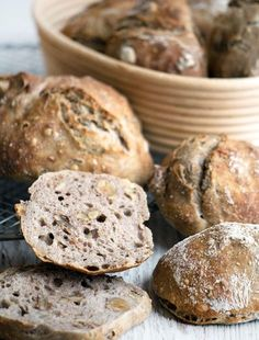 valnøddeboller Healthy Breakfast Snacks, Breakfast Bake, Savoury Baking, Bread Baking, Denmark Food, Cocktail Desserts, Danish Food, Bread Bun, Food Inspiration