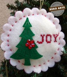 """Joy"" & Christmas Tree on Scalloped Circle Shape Felt Christmas Decorations, Christmas Ornaments To Make, Christmas Sewing, Felt Ornaments, Christmas Projects, Felt Crafts, Handmade Christmas, Holiday Crafts, Christmas Crafts"