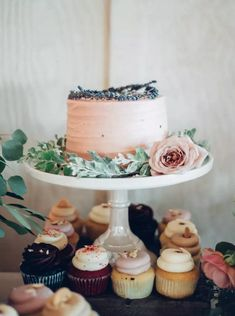 32 Summer Wedding Cakes That We Can't Get Enough Of