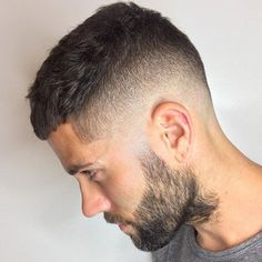 High Bald Fade + French Crop + Full Beard http://www.99wtf.net/men/popular-hairstyles-men-2017/