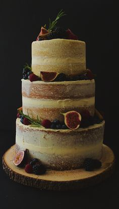 Autumn has arrived. Berries, jams and citrus all play a part in this wedding cake.