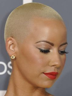 7 Celebs Who Shaved Their Heads Bald Head Women, Shaved Head Women, Shaved Heads, Short Hair Cuts, Short Hair Styles, Natural Hair Styles, Amber Hair, Short Natural Haircuts, Bald Hair