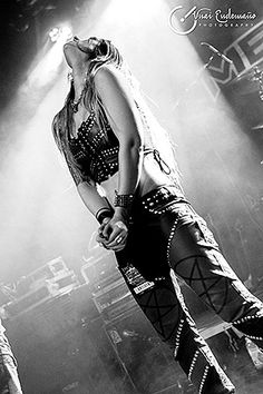 Diva Satanica - banda  Bloodhunter (España)