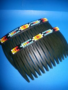 Bead loomed combs