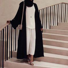 IG: Hala_Collection discovered by BeautifulinBlack Modest Fashion Hijab, Modesty Fashion, Hijab Chic, Abaya Fashion, Muslim Fashion, Fashion Outfits, Fashion Styles, Mode Abaya, Mode Hijab