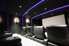 Dark tiered cinema seating in home theater by Gibson Innovation. Home Cinema Seating, Home Cinema Room, Home Theater Rooms, Home Theater Design, Basement Bar Designs, Home Bar Designs, Basement Ideas, Bonus Room Design, Inside A House