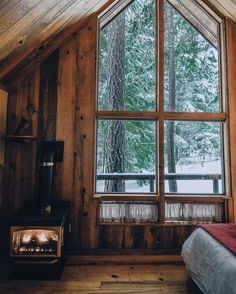 Hygge is a concept that evokes 'coziness', particularly when relaxing with good friends or loved ones and while enjoying good food. Winter Cabin, Cozy Cabin, Cozy Winter, Cabin Homes, Log Homes, How To Build A Log Cabin, Cabin In The Woods, Little Cabin, Cabins And Cottages