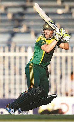 BLOEMFONTEIN. – AB de Villiers was gister meesterlik in Suid-Afrika se oorwinning – met 117 lopies – waarmee die reeks teen Pakistan met 4-1 in Sjarjah beklink is.