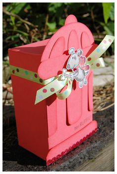 Uber Cute Fire Hydrant Gift Box - Would be great filled with homemade dog treats for a favorite friend