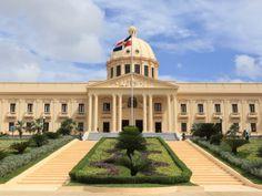 (Decreto) Presidente designa y confirma procuradores generales adjuntos del Procurador