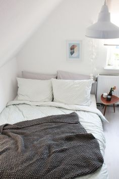 bedroom-makeover-its-pretty-nice
