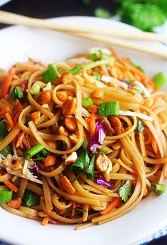 Noodles tossed in a sweet and spicy sauce combined with fresh veggies and honey roasted peanuts. Dinner doesn't get easier than these Easy Thai Noodles. Teriyaki Chicken Casserole, Beef Casserole, Chicken Fajitas, Chicken Salad, Baked Chicken, Asian Recipes, New Recipes, Cooking Recipes, Ethnic Recipes