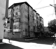 https://flic.kr/p/oq8Xna   Gura Humorului - North  Romania   ph Amos Locati 2013