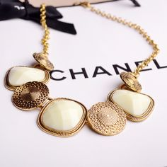Chic Vintage Nature stone Oval Bib Collar Statement Pendant Necklace