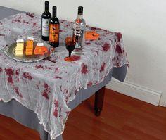 Tischdeko Idee zu Halloween mit Mullbinden