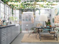 Nature kitchen inspiration from IKEA. Ikea Kitchen, Kitchen Interior, Kitchen Dining, Kitchen Decor, Room Kitchen, Scandinavian Interior Design, Scandinavian Kitchen, Blog Deco, Cuisines Design