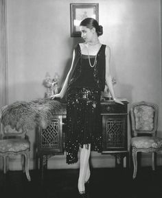 Fatos e fotos da moda de 1920 a 1930 | Blog da Mari Calegari 1920 Style, Style Année 20, Curvy Style, Vintage Outfits, 1920s Outfits, Vintage Dresses, Flapper Girls, 1920s Flapper, 1920s Jazz