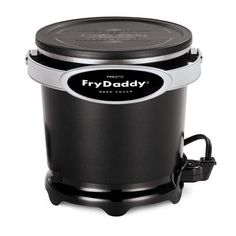 Presto Fry Daddy Plus Deep Fryer. Deep fry your favorite foods with the help of this electrifying fryer from Presto! From fries to chicken, you'll love adding this essential to your kitchen or backyard. Specialty Appliances, Kitchen Appliances, Kitchen Gadgets, Kitchen Cook, Small Appliances, Kitchen Dining, Small Kitchen Electrics, Best Deep Fryer, Air Fryer Review